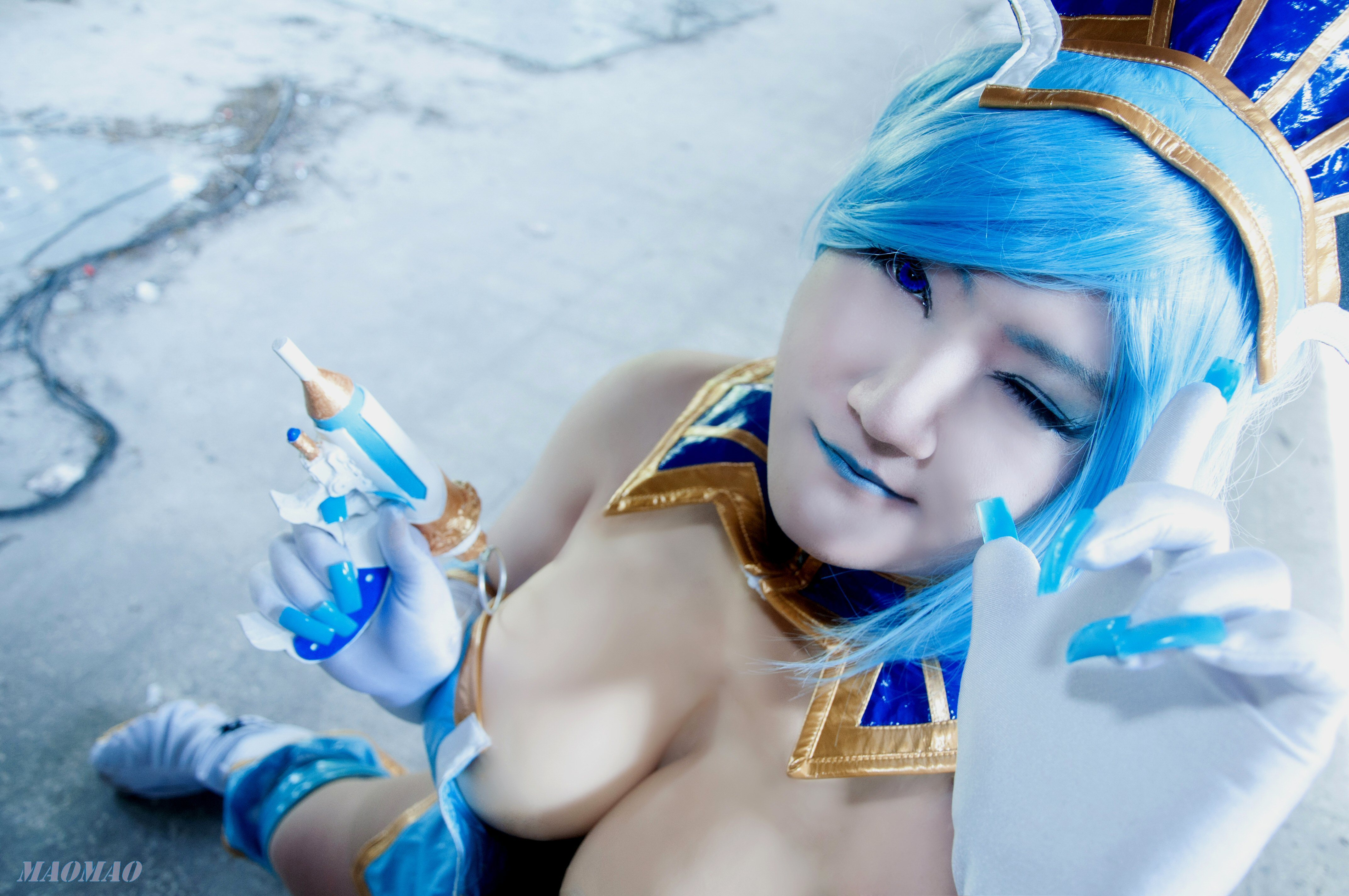 blue hair cosplay