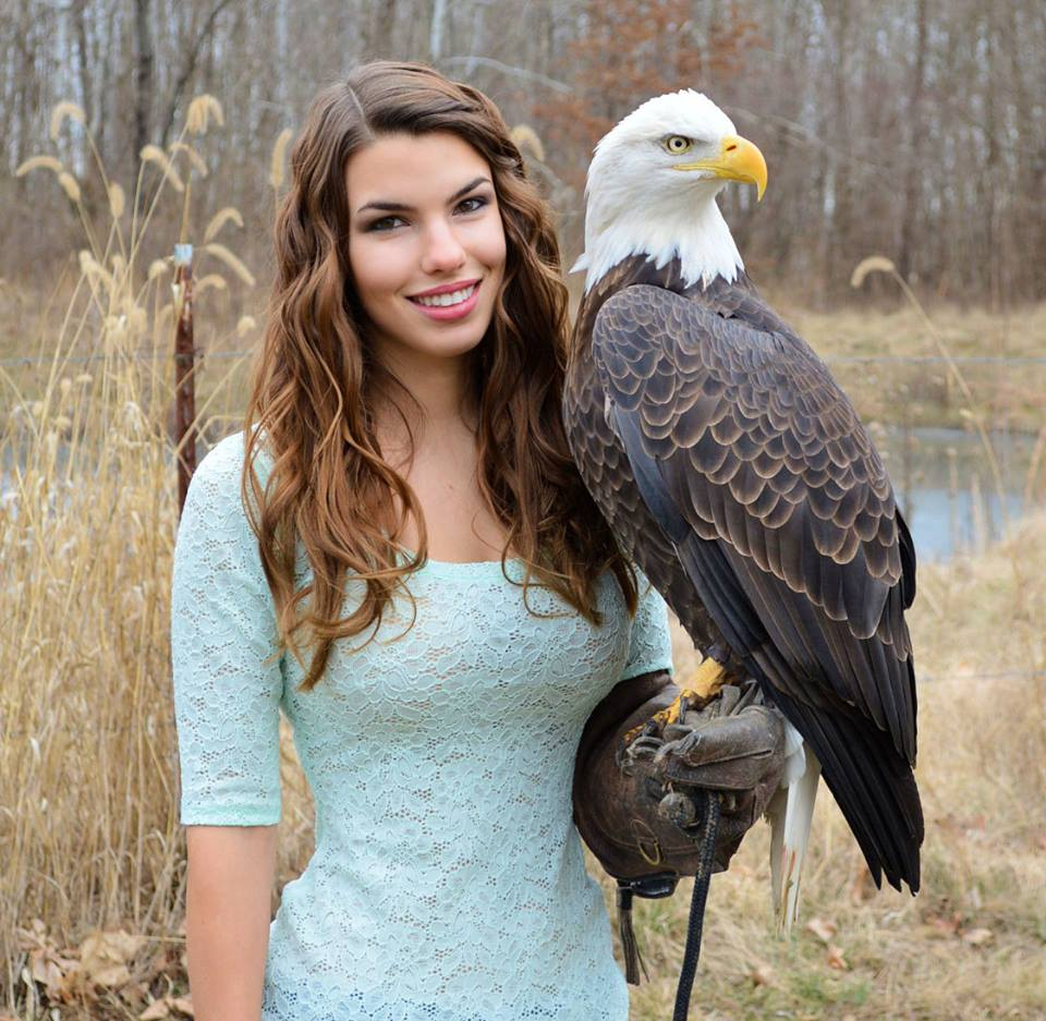 Eagle Holding Beauty Eagle Holding Beauty