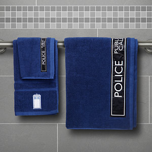 19f9 doctor who 3 pc bath towel set inuse Doctor Who 3 Piece Bath Towel Set