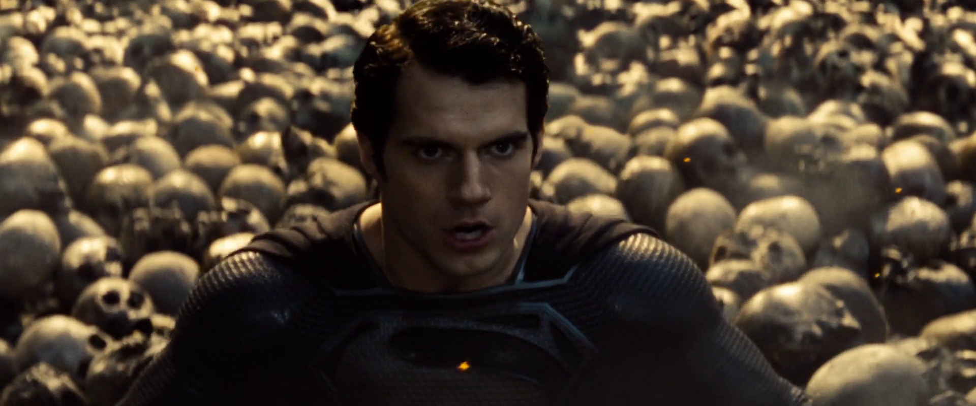 http://www.tikiwebgroup.com/zoom-comics/wp-content/uploads/sites/36/2014/04/Man-of-Steel-Skull-Scene-Wallpapers-9.png